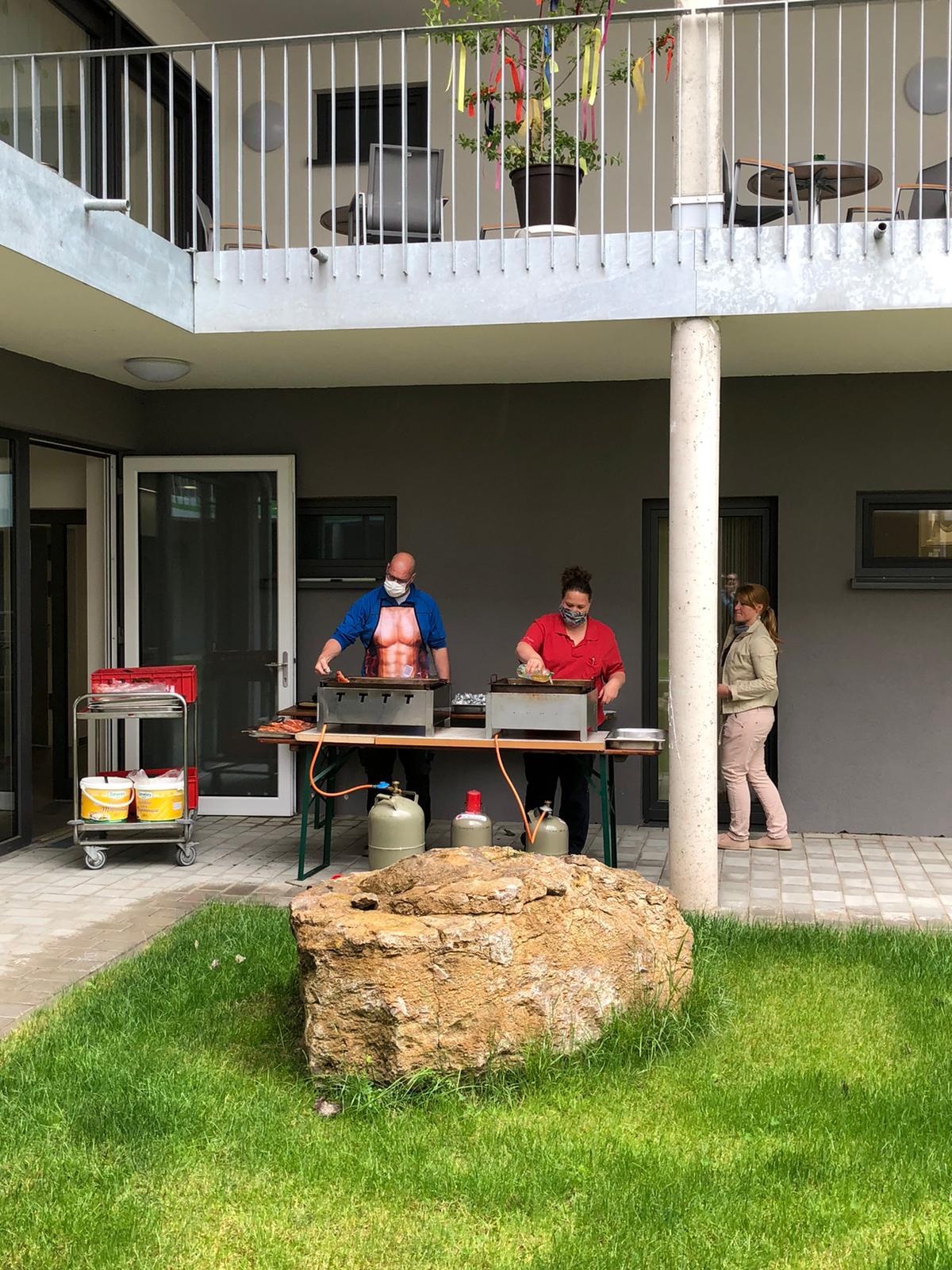 Erstes Mai Grillen 2020 im Seniorenzentrum Im Brückle in Bretten