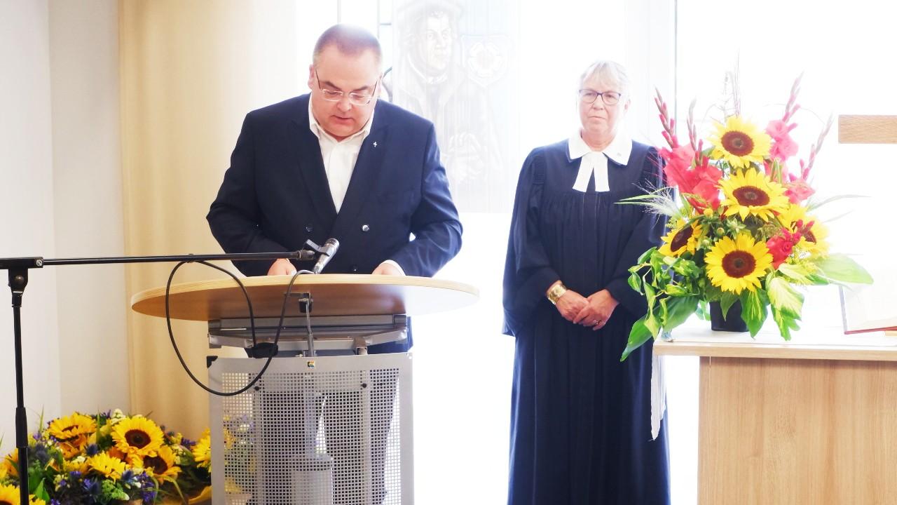 Vorstand Carsten Jacknau & Stiftspfarrerin Ulrike Oehler